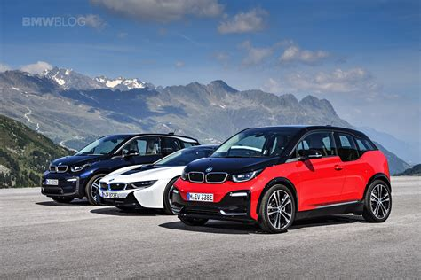 family photo bmw  facelift    hybrid   cars
