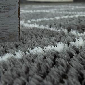 Flokati Teppich Grau : hochflor teppich rauten muster grau design teppiche ~ Frokenaadalensverden.com Haus und Dekorationen