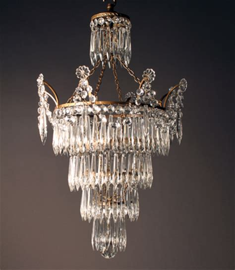 commission a bespoke chandelier country
