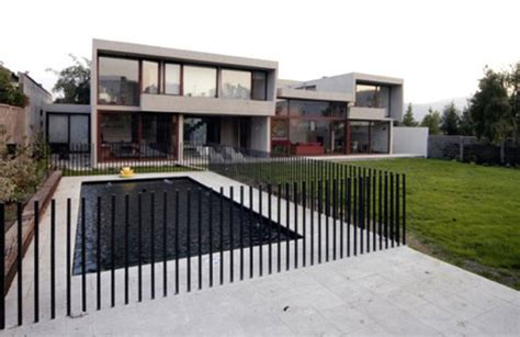 minimalist fence design home