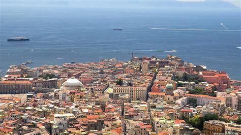 Submitted 6 hours ago by giobbistar21. Previsioni meteo Napoli: stabile e mite, che temperature ...