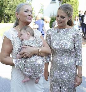 Tone og datteren matchet i like designerkjoler - MinMote ...