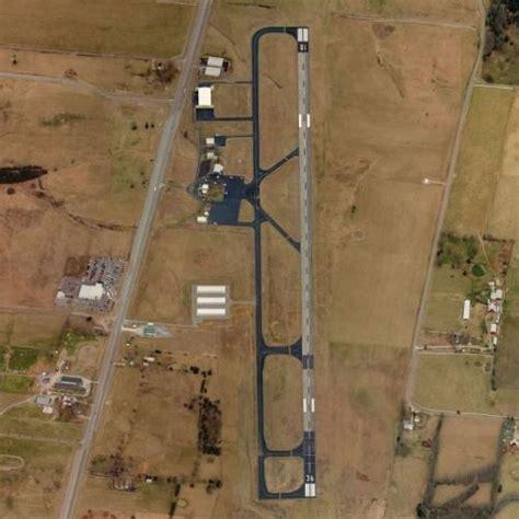 Shelbyville Municipal Airport in Shelbyville, TN (Google Maps)