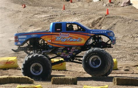 videos de monster trucks monster truck wikiwand