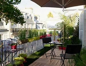 19 balkon ideen mit blumenkasten die gelander dekorieren With markise balkon mit tapete shabby holz