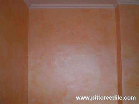 tinteggiatura pareti interne colori colori per pareti scale interne con decorazione pareti