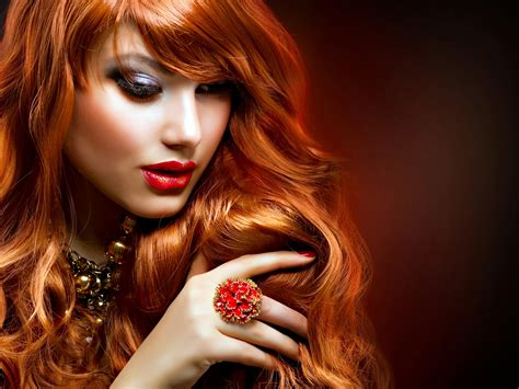 beautiful women pictures  wallpapers  wow style