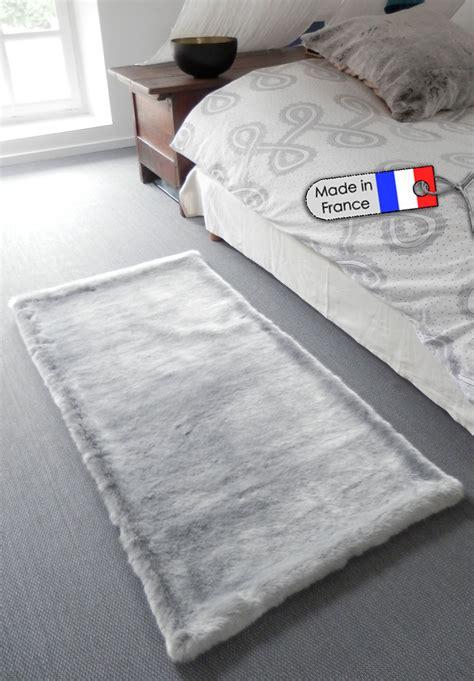 chambre fourrure tapis pour chambre adulte tapis fausse fourrure everest