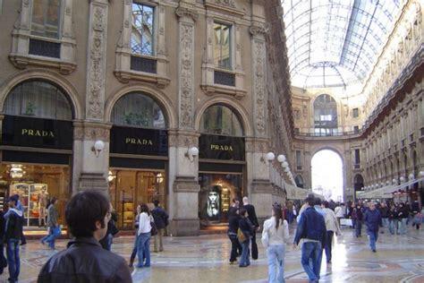 prada store  milan luxury topics luxury portal
