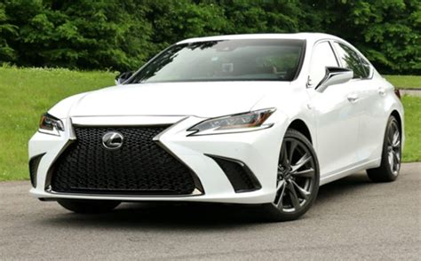 lexus es  ultra luxury release date colors