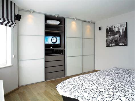 ikea armoire de chambre armoires sur mesure pour chambre coucher ua armoires
