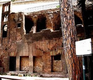 ancient roman housing homes