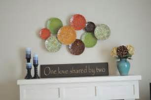 Primitive Living Room Wall Decor by Of Hues And Patterns Decorating Is Never This Good