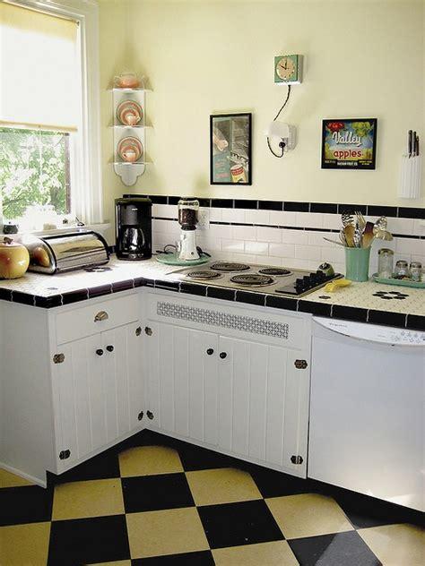 cute  kitchen    facelift