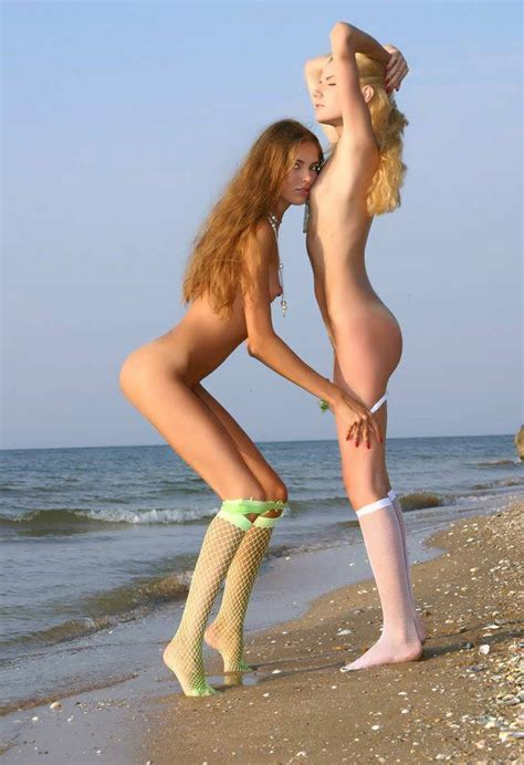 Petitte Naked Young Blondes Hornywishes Com