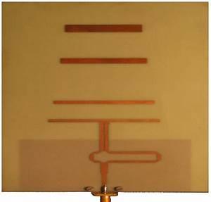 B  Photograph Of Microstrip Yagi Uda Antenna