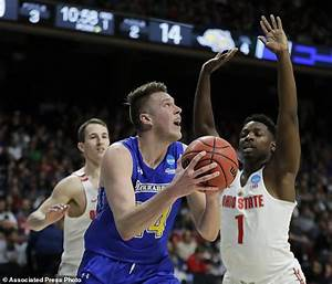 Ohio State outlasts South Dakota State 81-73 in West ...