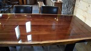Table En Noyer : table en noyer noir avec une finition l 39 poxy youtube ~ Teatrodelosmanantiales.com Idées de Décoration