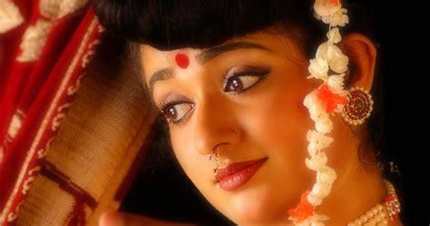 Beautiful Traditional Looking Actress Kavya Madhavan