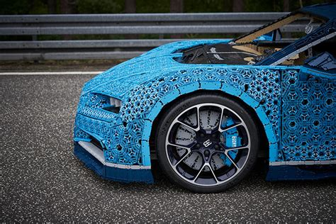 It's the second 'ultimate technic' supercar to be released, two years after 42056 porsche 911 gt3 rs, and is built to the same 1:8 scale as the porsche. LEGO Built A Life-Size And Drivable Bugatti Chiron — urdesignmag