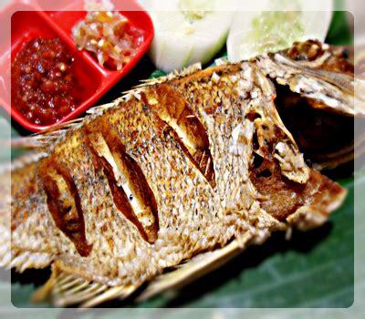 5 papan petai, buang serat di kedua sisinya. Info Kuliners Ikan Bakar Asri Seafood Bumbu Bali
