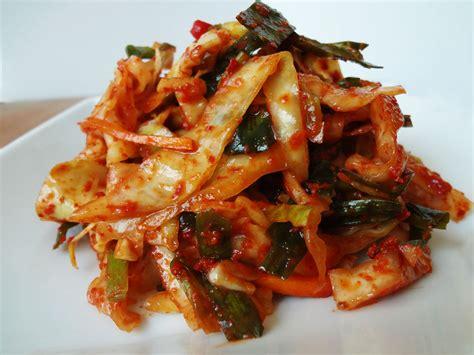 kimchi recipe emergency kimchi yangbaechu kimchi recipe maangchi com