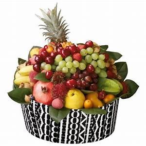 Panier A Fruit : garden of eden fauchon basket with an assortment of exotic fruits ~ Teatrodelosmanantiales.com Idées de Décoration