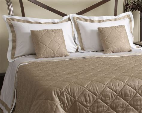 Top Luxury Bed Sheets  One Set Of Luxury Bed Sheets