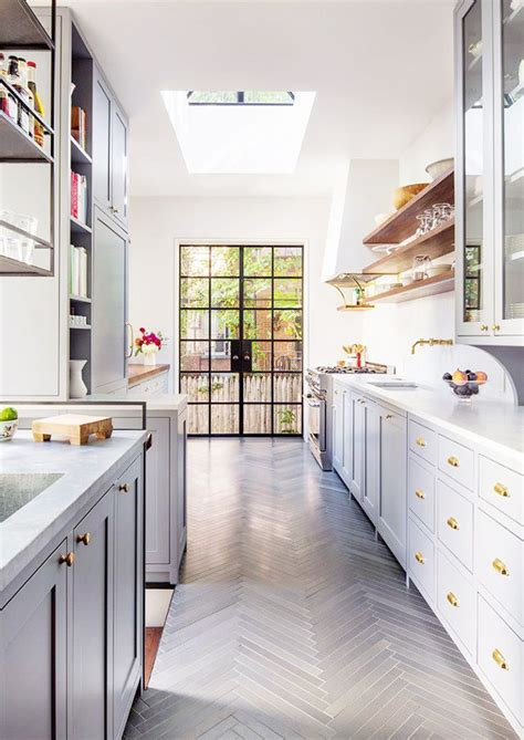 kitchen hardwood floor 15 best ideas about herringbone wooden floors on 1794
