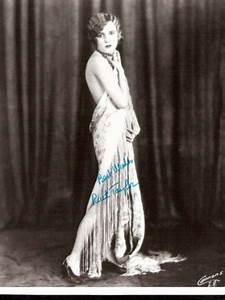 Ruth Taylor - À la découverte du cinéma.