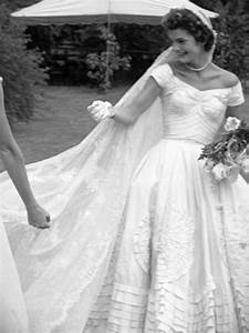 caroline kennedy wedding dress designer 24 dressi With caroline kennedy wedding dress