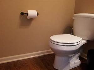 6380548 f1024jpg for Placement of toilet paper holders in bathrooms