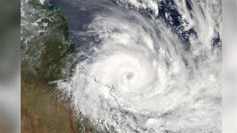 Cyclone Debbie makes landfall on Queensland coast ...