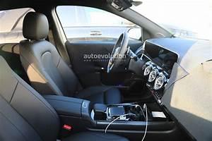 Nouvelle Mercedes Classe B : voici l 39 int rieur du futur mercedes classe b ~ Nature-et-papiers.com Idées de Décoration