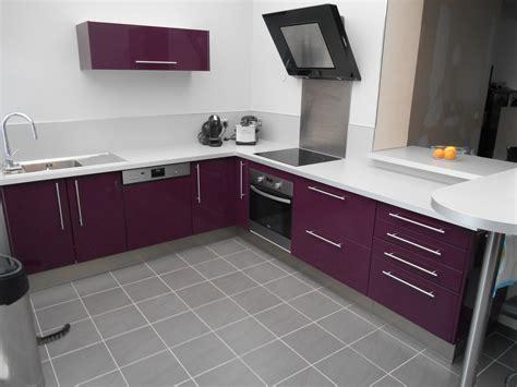 couleur aubergine cuisine décoration cuisine couleur aubergine