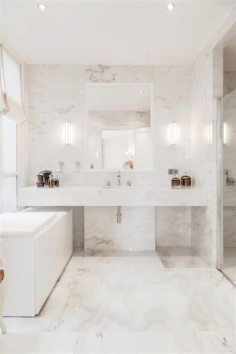 salle de bain marbre blanc pour afficher une classe intemporelle design feria