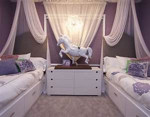 Vibrant-transitional-family-home-kids-girls-room2-robeson