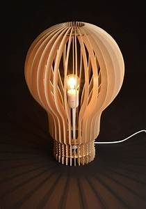 Lampe Bois Design : lampe design en bois ampoule ~ Teatrodelosmanantiales.com Idées de Décoration