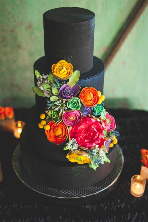 5 Black Cake Trends We Love