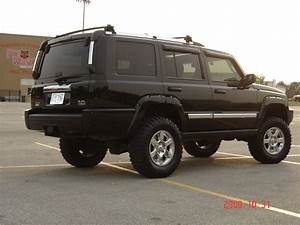 Jeep Commander Lifted 6in  In Front And 4in  In Back