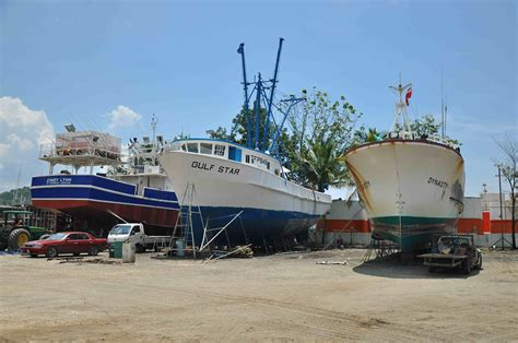 Service Boat Yard by Boat Yard Images Peake Yacht Services Boatyards