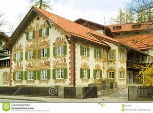 Rauchmelderpflicht Bayern Haus : gemaltes haus im bayern stockbild bild von alpen ~ Lizthompson.info Haus und Dekorationen