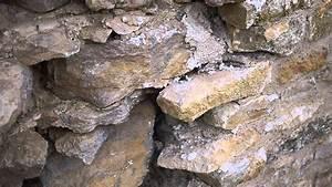 mur en pierre et mortier de chaux a remonter et With enduit a la chaux mur interieur