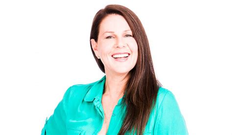 australian actress julia morris julia morris a funny thing happened on my way here today