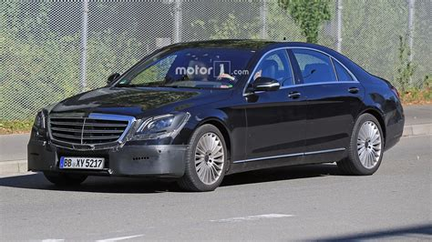 mercedes  class facelift spied