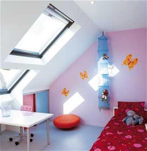chambre bébé sous pente deco chambre garcon sous pente