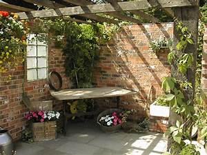 Vintage garden decor ideas - Little Piece Of Me