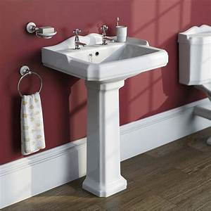 Winchester bathroom set with slipper bath suite for Slipper bathroom suites
