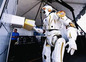 NASA Wants to Make a C-3PO to Help Colonize Mars, But That ...