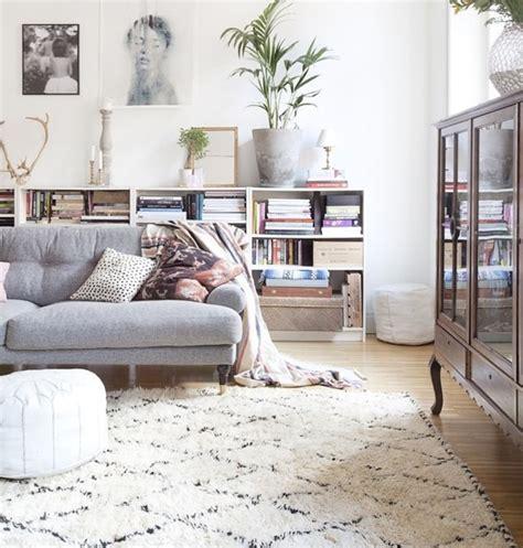 quel tapis avec canapé gris le tapis de salon dans quelques mots et beaucoup de photos